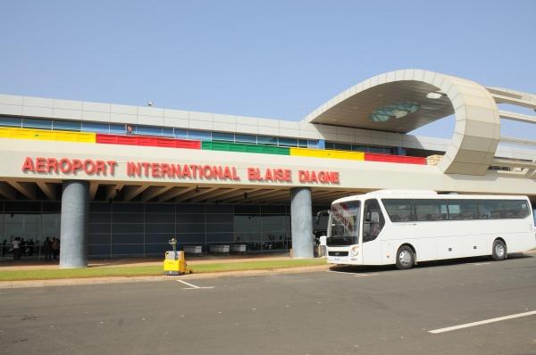 BIZARRERIE : Un pakistanais arrêté à l'aéroport de Diass avec un passeport anglais