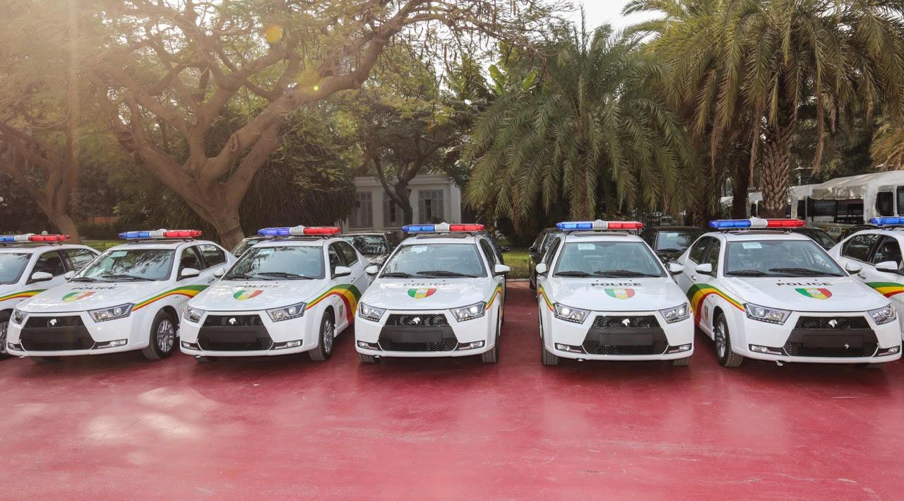 SÉNÉGAL : La police et les sapeurs-pompiers équipés en voitures de patrouille et d'ambulances médicalisées (IMAGES)