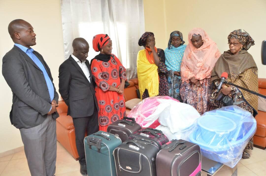 Santé Mère-Enfant : Une femme accouche de quadruplés et se fait aider par Diouf Sarr