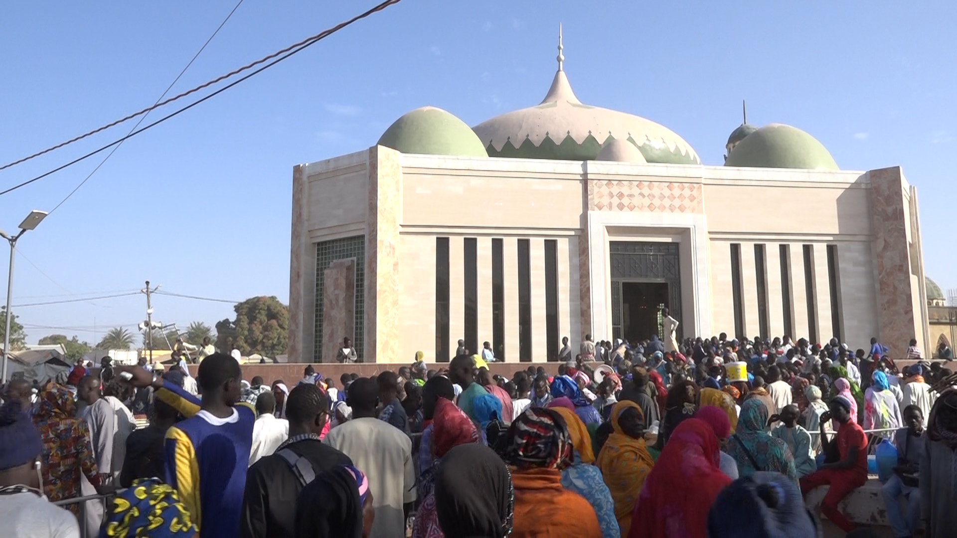 Porokhane : Le mausolée de Mame Diarra Bousso ne désemplit pas.