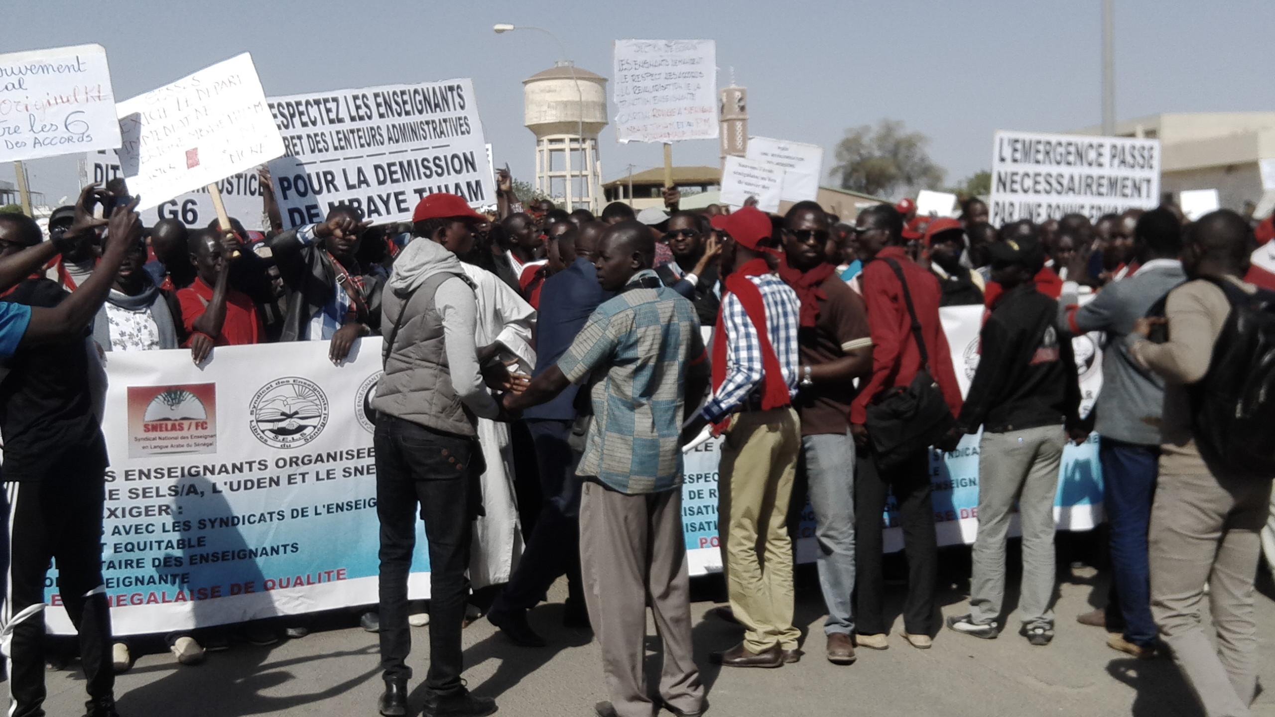 Marche des enseignants à Kaolack : Le G6 a réussi le pari de la mobilisation, mais n'a pas pu  terminer la marche en beauté