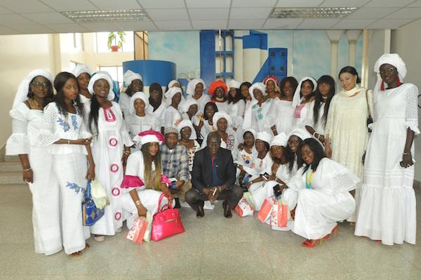 8 Mars - Les Femmes de Dangote Ciment offrent du matériel médical à la maternité de Pout