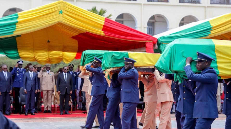 Crash de l'hélico de l'Armée : Le Président Sall rend hommage aux membres de l'équipage