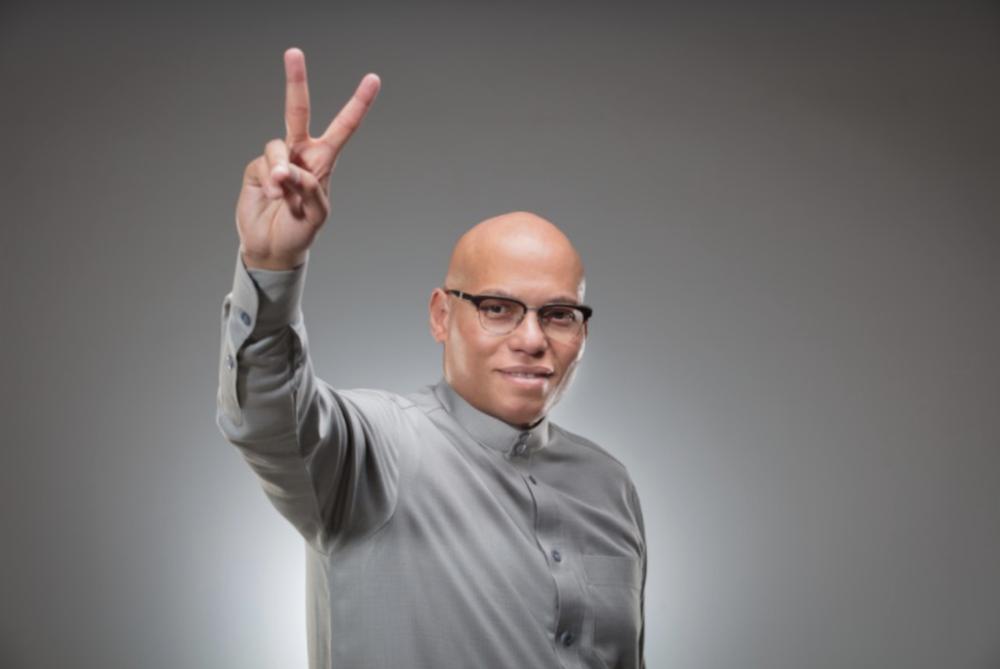 """Karim Wade attaque : """"Le moment est venu pour Macky Sall de se résoudre à m'affronter dans une compétition loyale et transparente. Je suis plus que jamais déterminé à lui faire face et à le battre au soir du 24 février 2019."""""""
