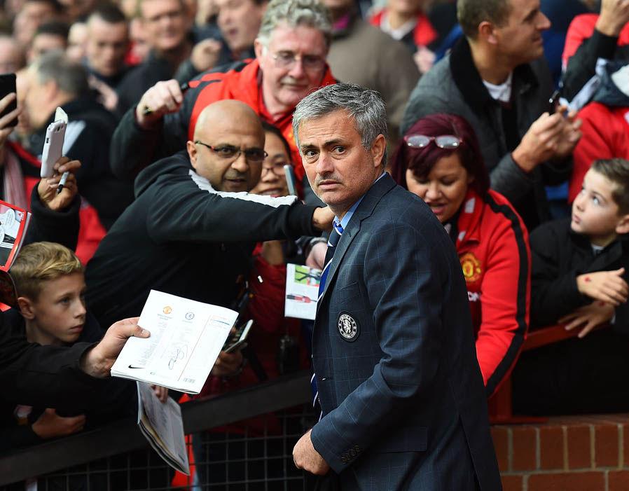 Manchester United : les joueurs ne supportent plus la méthode Mourinho