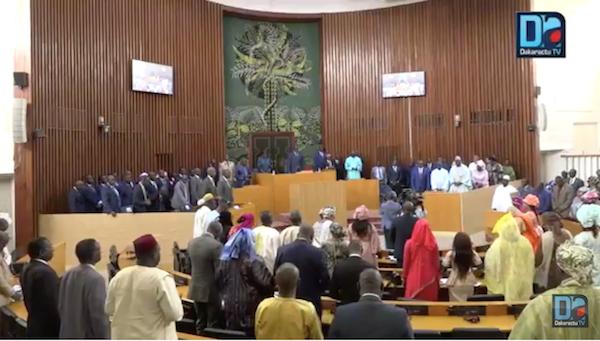 ASSEMBLÉE NATIONALE : Une minute de prières à la mémoire de Mamadou Diop