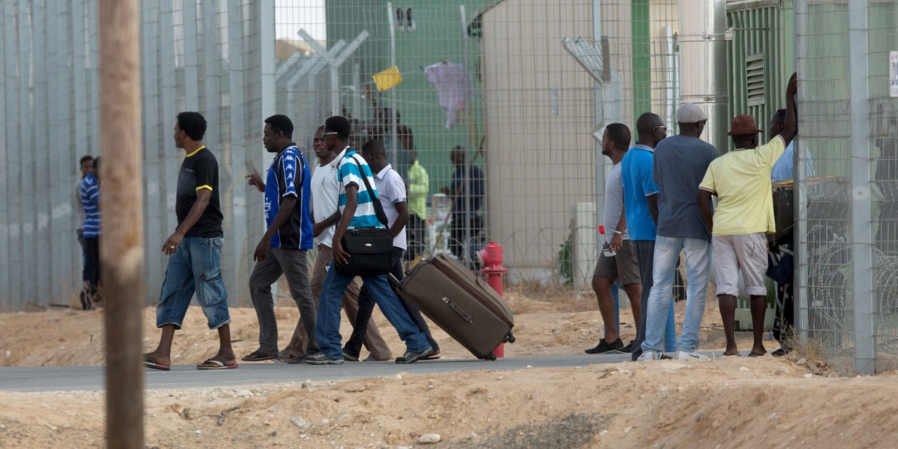 Israël suspend l'application d'un accord avec l'ONU sur les migrants africains
