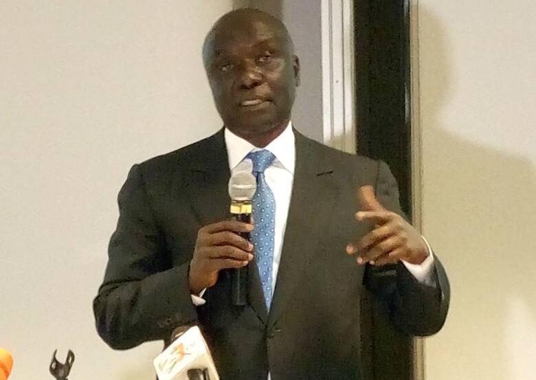 """""""Le ministre du tourisme a appelé le directeur de l'hôtel pour lui dire que si tu reçois Idrissa Seck, je t'amène le Fisc"""", affirme le président de Rewmi."""