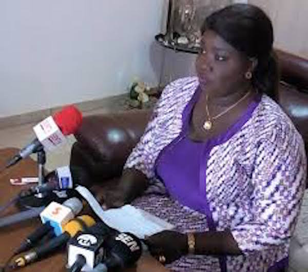 """Loi sur le parrainage : Mame Marème Thiam Babou dénonce """"l'attitude contestataire et nihiliste de l'opposition"""""""