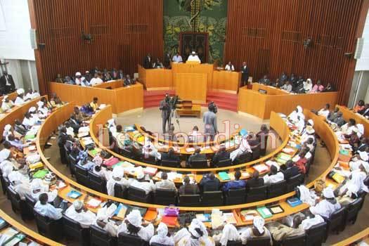Révision constitutionnelle et modification du code électoral : les deux projets de lois validés en commission technique