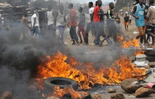 Thiès : La circulation bloquée, des pneus brûlés après l'arrestation de Idrissa Seck