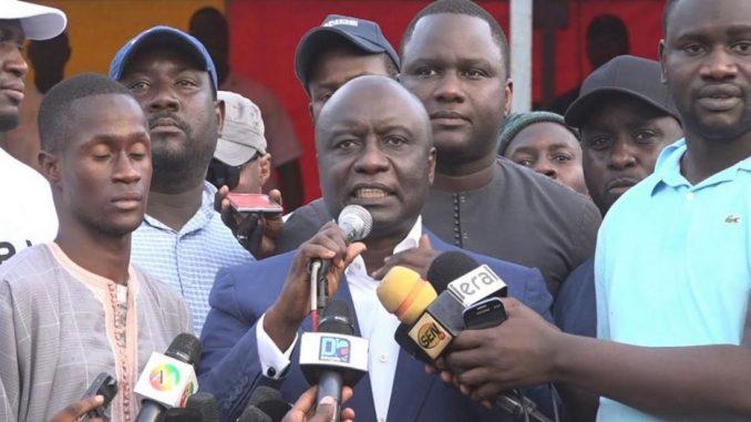 Manif anti-parrainage : Idrissa Seck atterrit au commissariat du Plateau