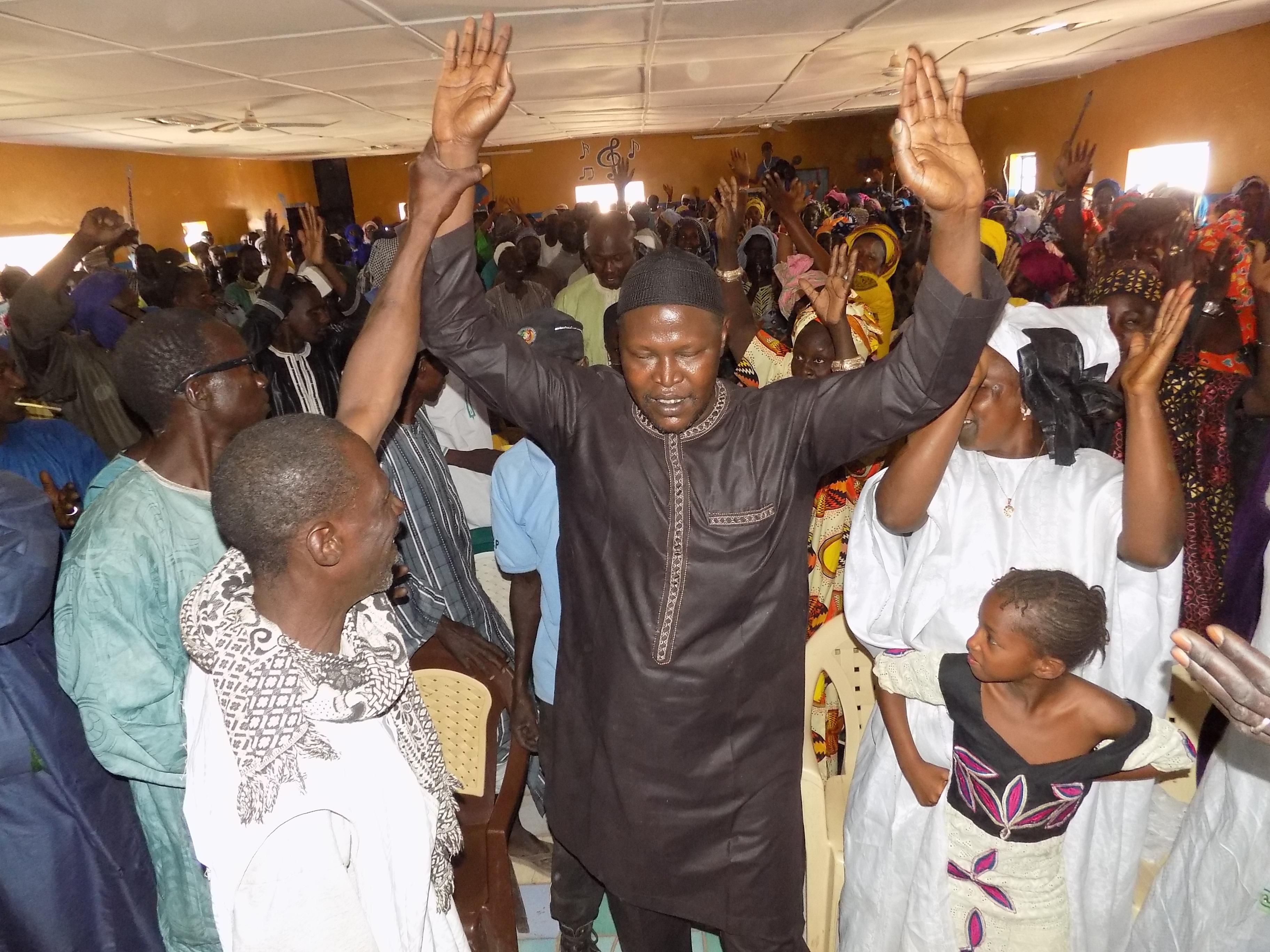 Koumpentoum : « Rien que pour le PUDC, nous serons éternellement reconnaissants envers le chef de l'Etat et nous … » Oumar SY (Apr)