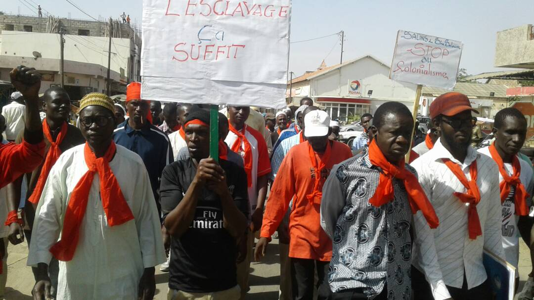 Kaolack : Marche des 300 journaliers des Salins du Sine-Saloum pour exiger leur réintégration