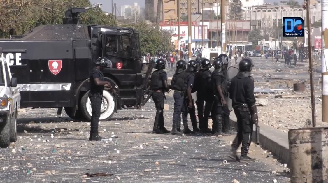 MORT DE FALLOU SÈNE : Les jeunesses Khalifistes dénoncent une «bavure policière à l'UGB» et exigent des sanctions...