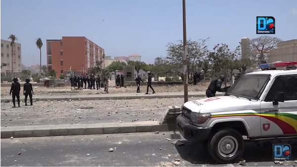 URGENT : Encore des affrontements dans les universités de Dakar et de Saint-Louis