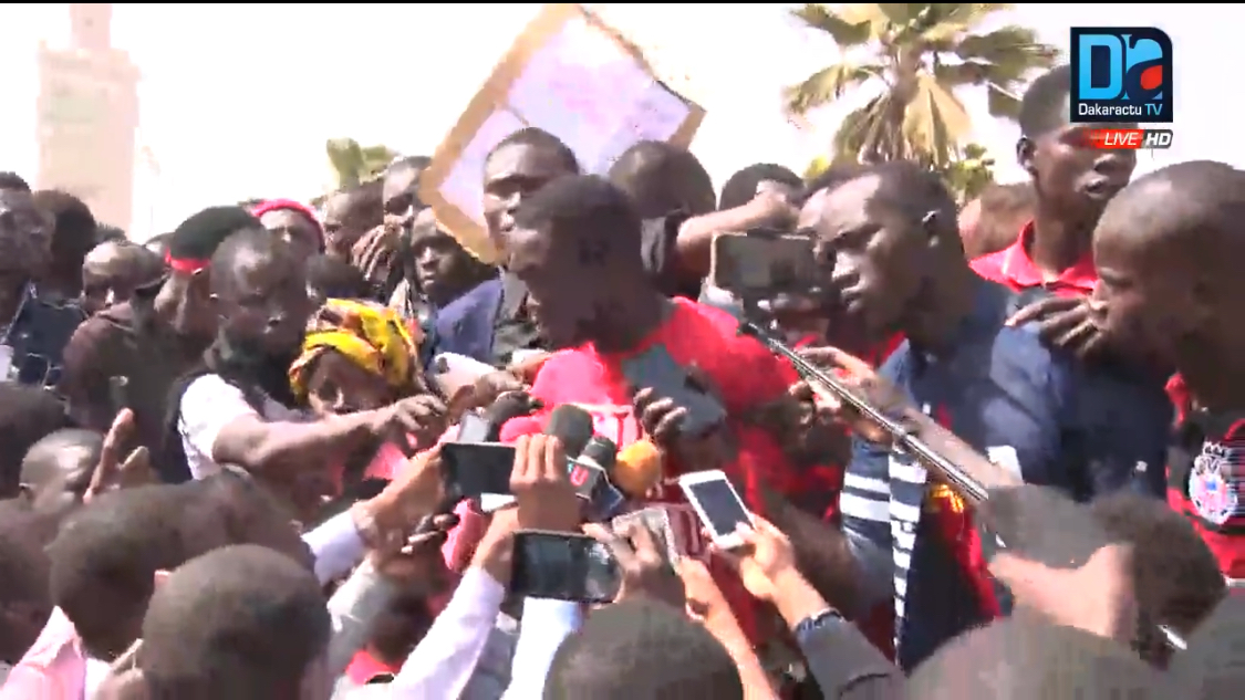 Rebondissement dans la crise universitaire : les étudiants de l'UCAD « exigent » une audience avec Macky Sall