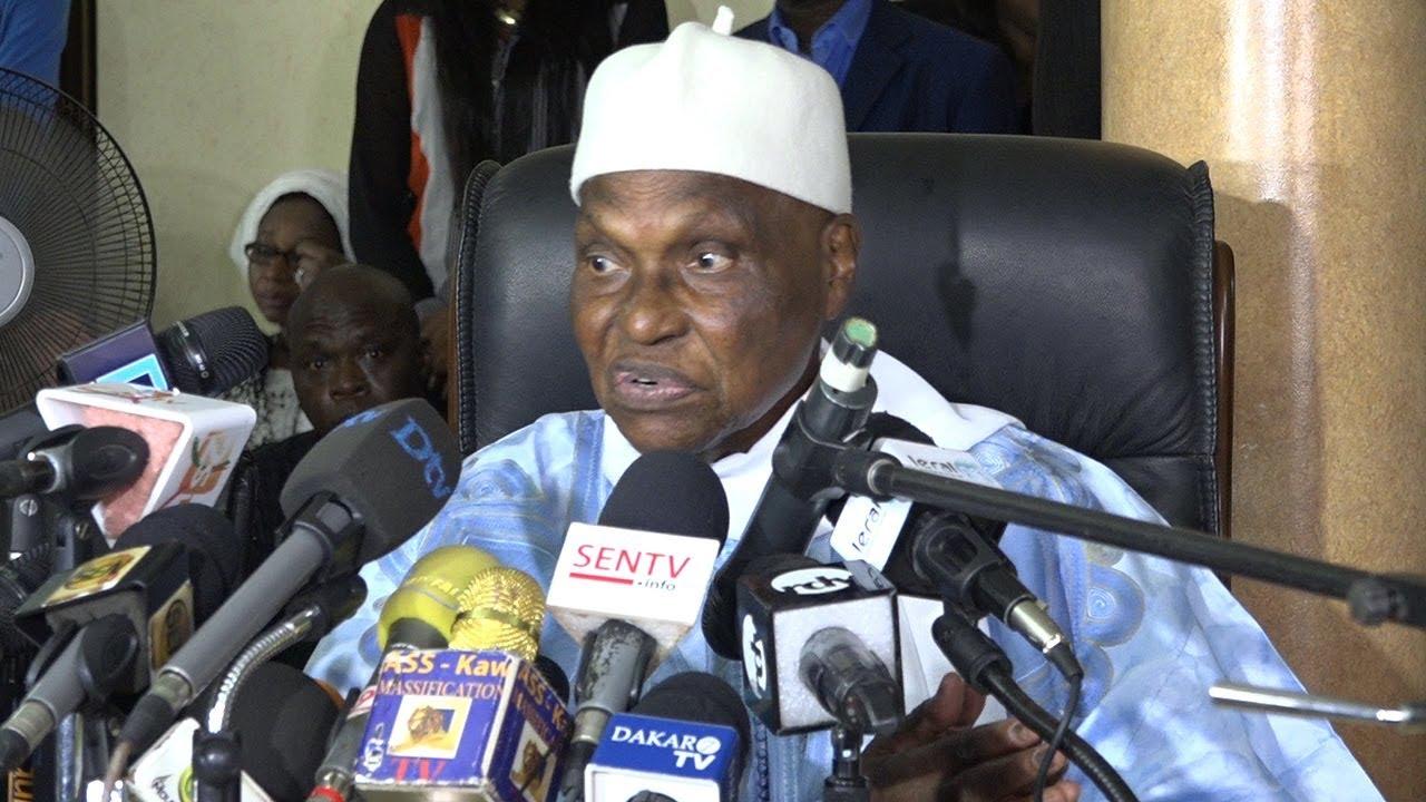 Passage à son domicile du Point E d'un huissier, réclamant les clefs de la maison : Me Abdoulaye Wade accuse Macky Sall et menace