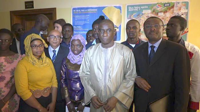 Programme AGEVEC : 10 jeunes sénégalais reçoivent leurs attestations de fin de stage dans le domaine de la technique.