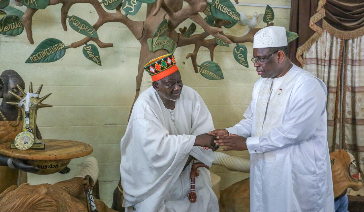 Ouagadougou :  le chef de l'Etat a rendu une visite de courtoisie à l'empereur des Mossis (images)