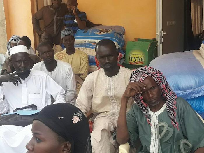 """Latmingué : Le Dr Macoumba Diouf distribue du """"Soukeurou Koor"""" aux maîtres coraniques et aux personnes vivant avec un handicap"""