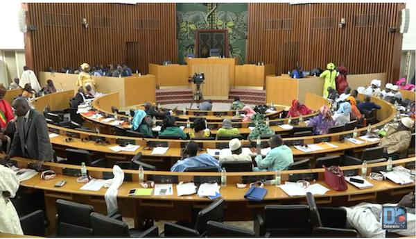 PARRAINAGE : Les députés en plénière ce lundi pour examiner le projet de loi portant révision du Code électoral
