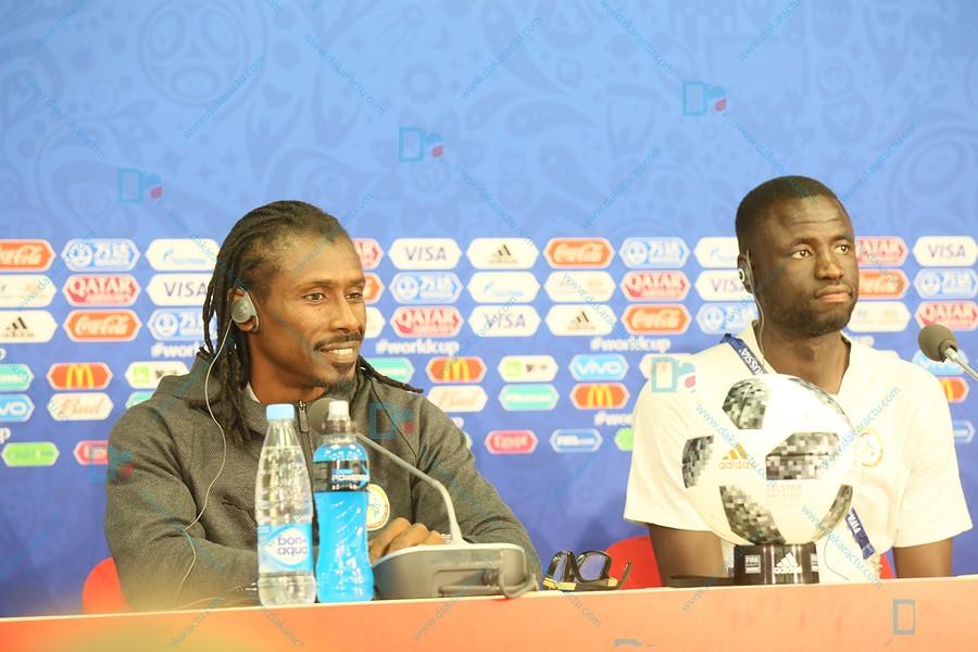 Les images de la conférence de presse de Aliou Cissé et de l'entraînement de l'équipe nationale au stade du Spartak de Moscou