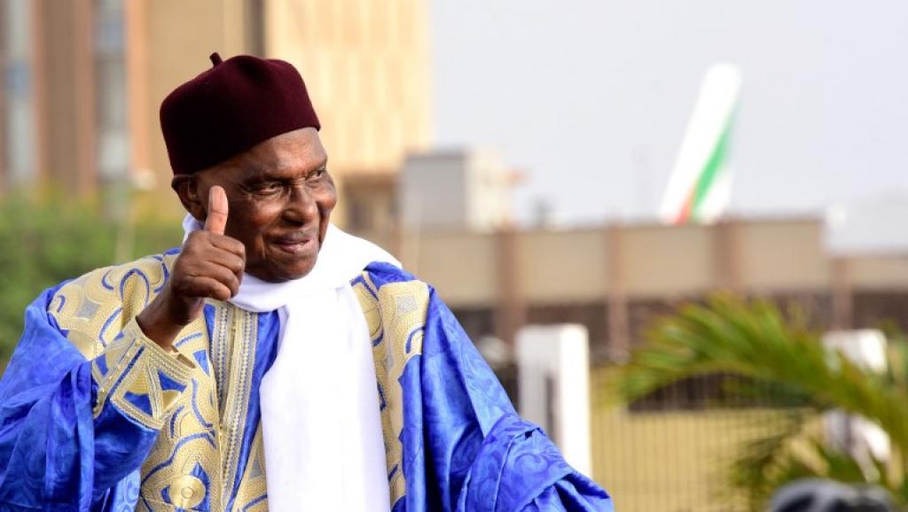 VICTOIRE DU SÉNÉGAL SUR LA POLOGNE : Le président Abdoulaye Wade félicite la délégation Sénégalaise en Russie