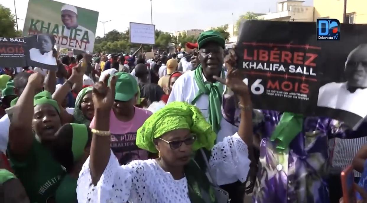 La manif' de l'opposition vire à la division : Karismistes et partisans du maire de Dakar se disputent le khalifat
