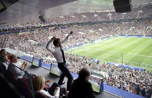 La France championne du monde : la photo de Macron qui fait le buzz !