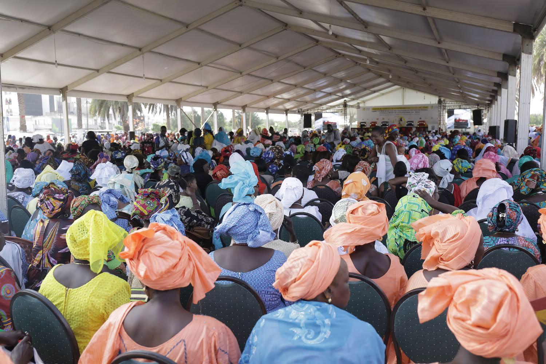 Assemblée générale de la Plateforme des femmes And Jéego: La Place de la nation refuse du monde