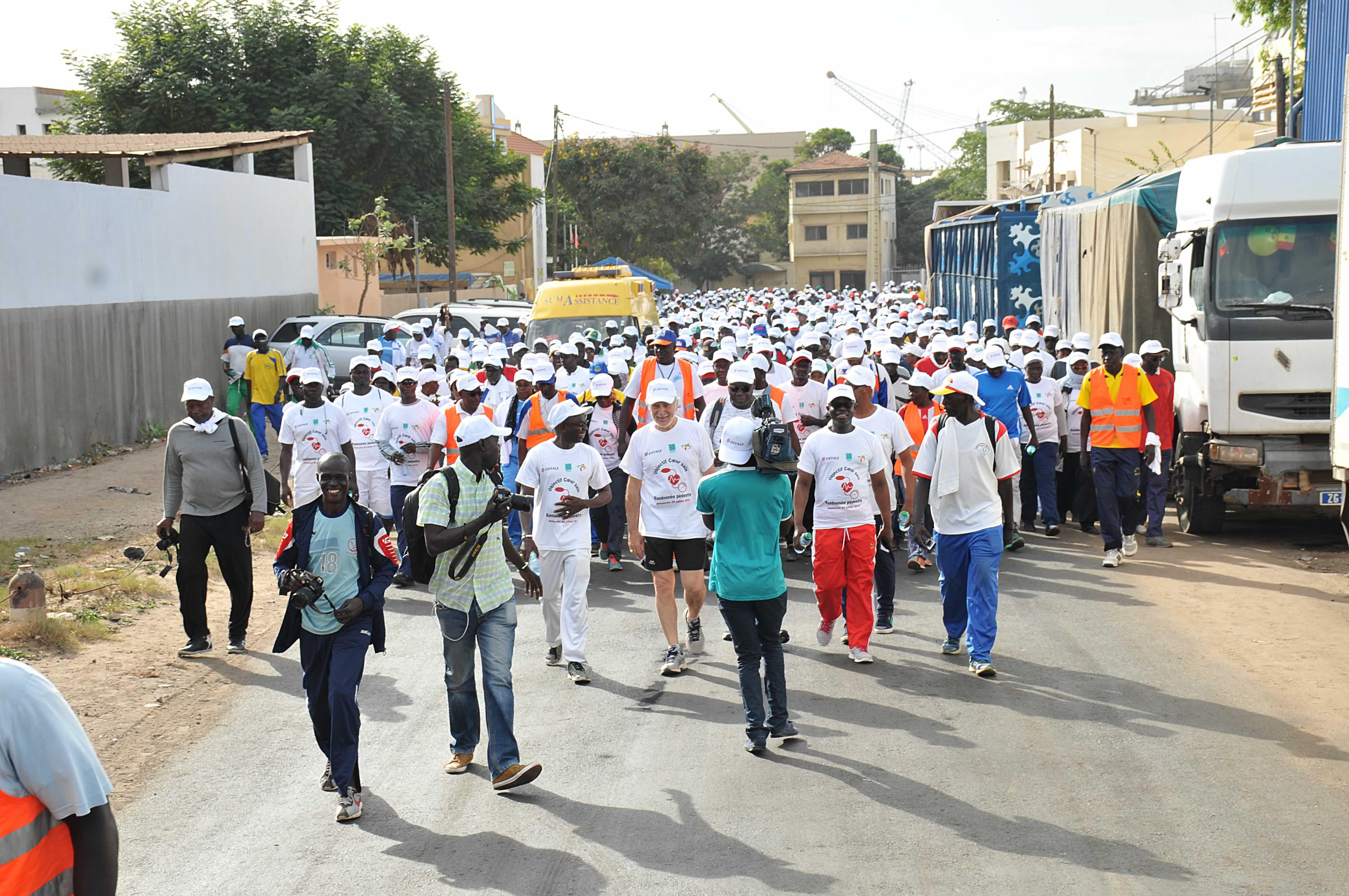 Eiffage Sénégal marche pour sensibiliser sur l'hypertension artérielle et ses complications