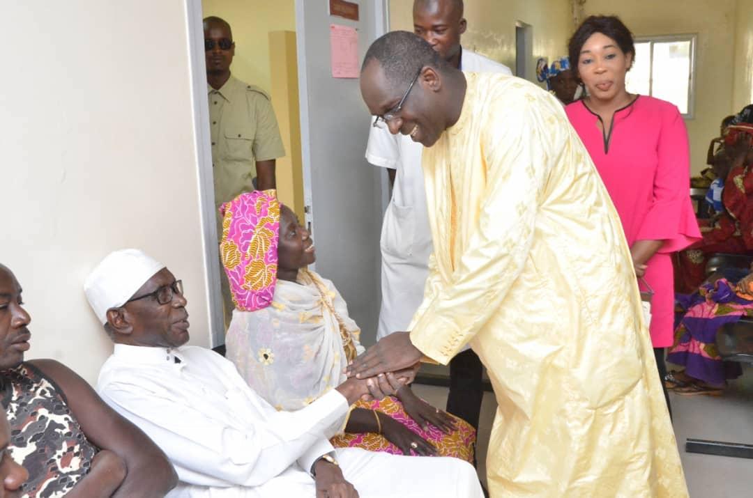 CNTS : Abdoulaye Diouf se réjouit du stock suffisant des poches de sang