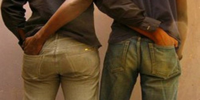 Médina : Scène de jalousie dans un couple homosexuel...
