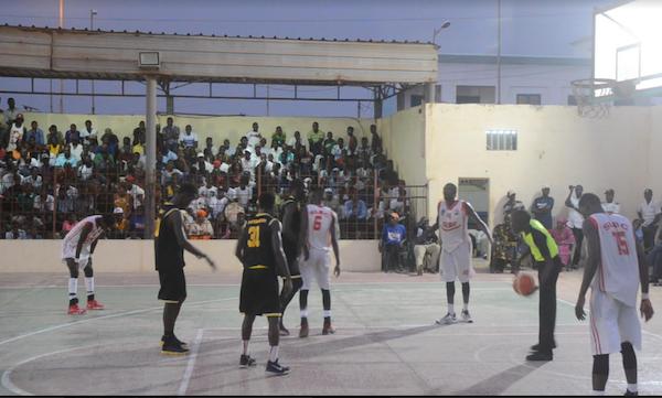 Demi-finale Play off garçons : Saint-Louis Basket Club prend sa revanche sur le DUC et décroche la belle