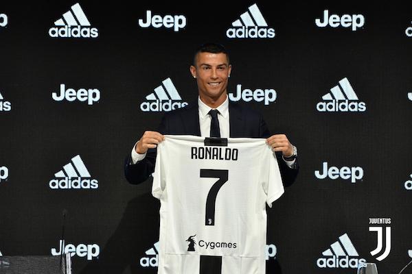 Juve : deux maillots vendus par minute, rupture de stock... Cristiano Ronaldo rapporte déjà gros !