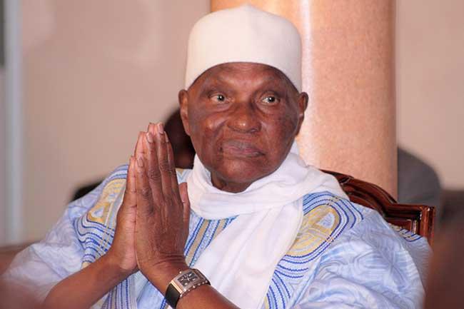 Le Président Abdoulaye Wade rend hommage au Pr Samir Amin