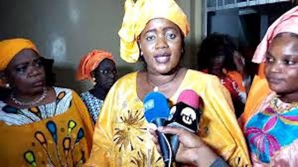 La présidente des femmes de Rewmi France dément une audience au palais : Paulèle Ndiaye nage dans un océan de contrevérités
