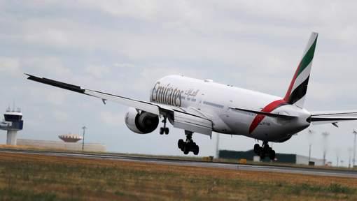 Un avion d'Emirates mis en quarantaine à l'aéroport de New York