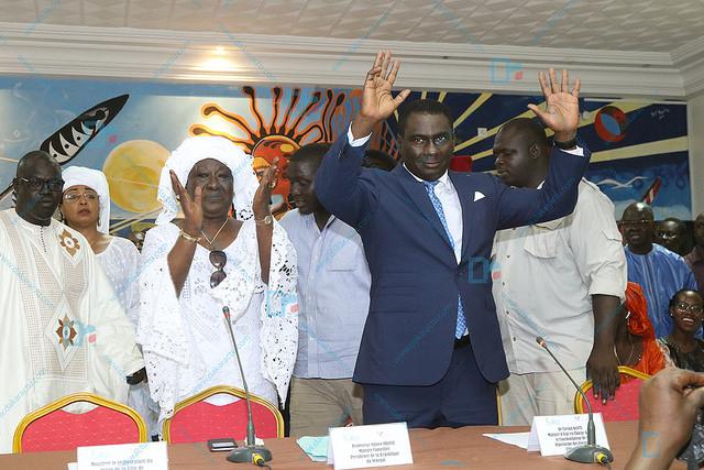 """Les images de la rencontre de la """"Plateforme des Forces de l'émergence"""" du Dr Cheikh Kanté"""