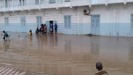 Fortes pluies d'hier/Rufisque totalement sous les eaux : Des citoyens tirent la sonnette d'alarme. (Images)
