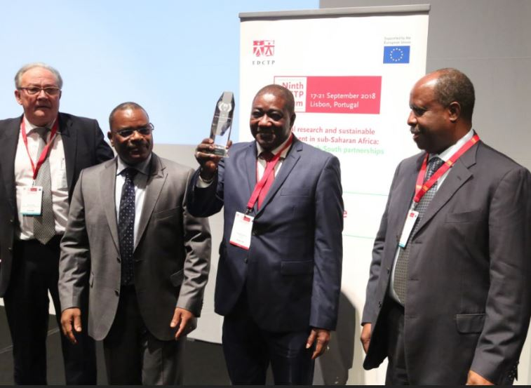 Prix Pascoal MOCUMBI : Le Professeur Souleymane Mboup remporte la distinction