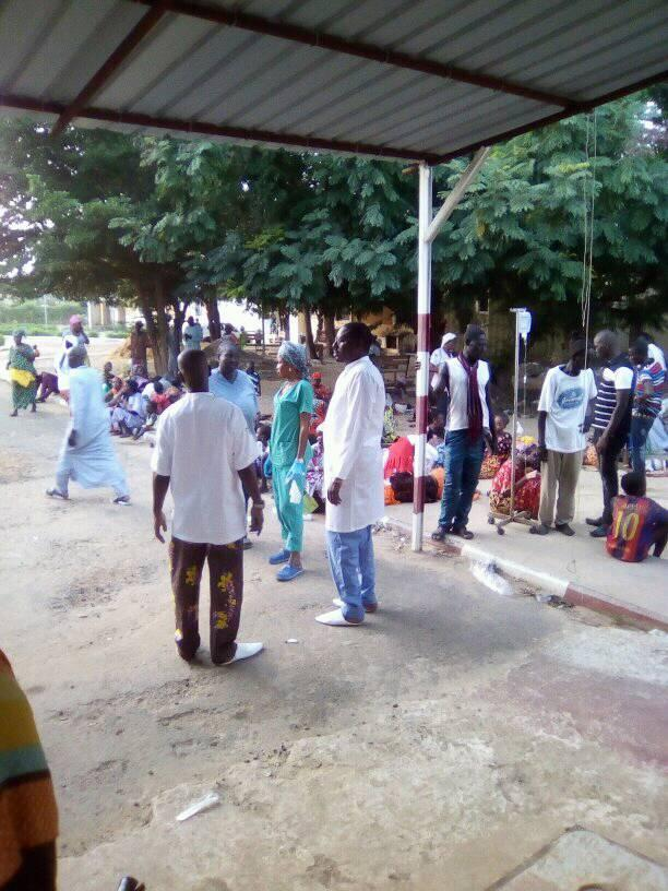 """Intoxication alimentaire à Ndouff : Le """"laax"""" du baptême envoie plus de 250 personnes à l'hôpital (Images)"""