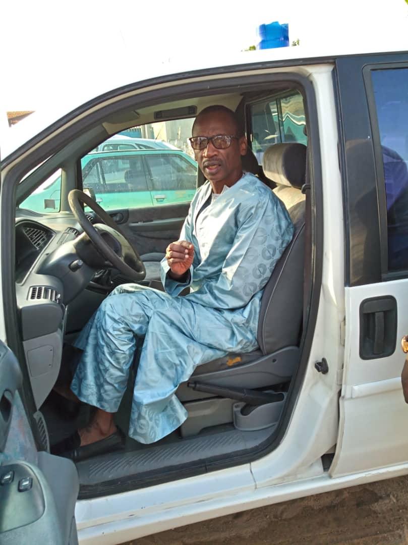 Wakhinane Nimzat!: une ambulance offerte à la commune
