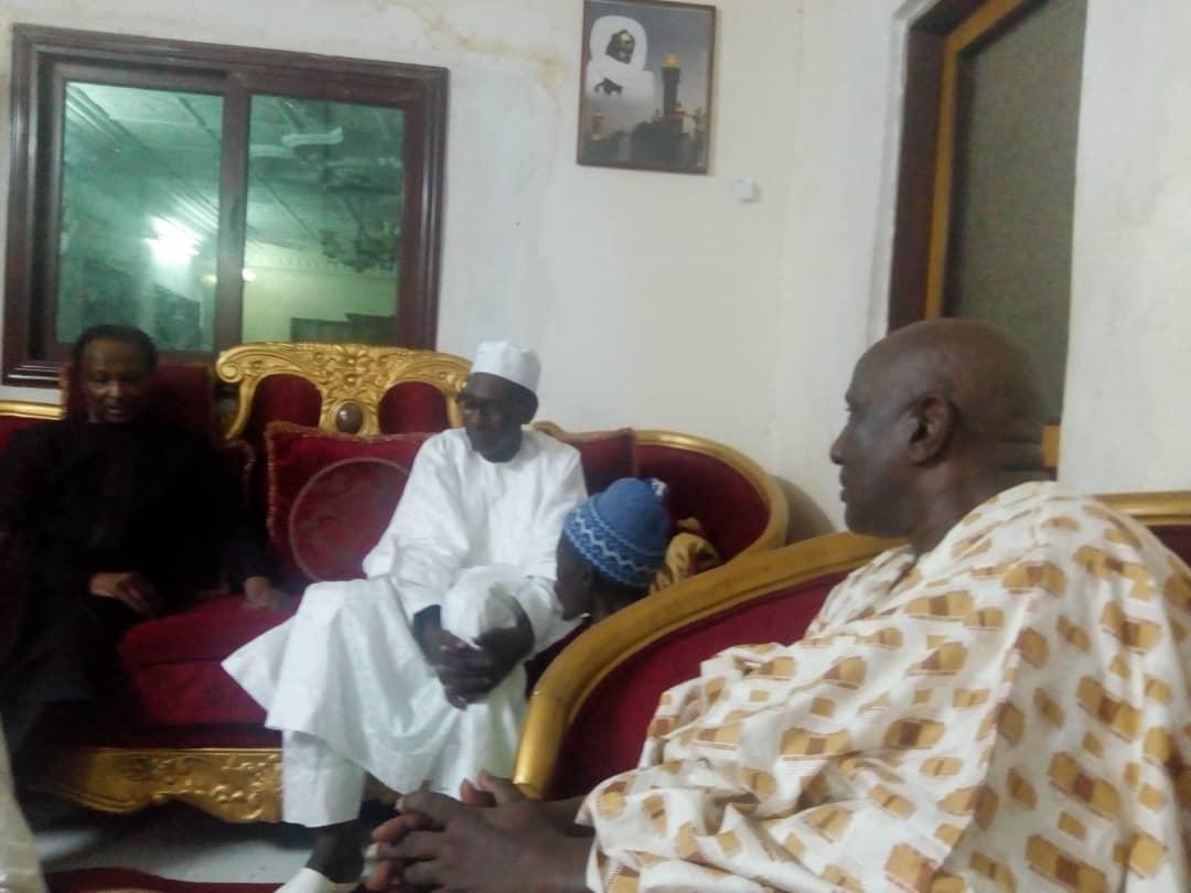 Présentation de condoléances : Baba Diao de Itoc reçu par le fils aîné de El Hadj Mame Bouh Mamadou Kounta et Cheikh Ahmed Bachir Kounta (Images)