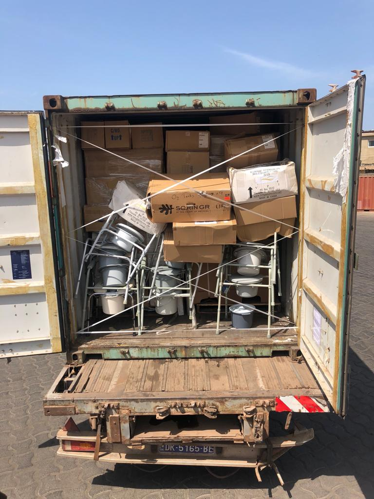 TOUBA CA KANAM - Un conteneur de matériel médical d'une valeur de 271 millions de francs remis au Khalife Général des Mourides pour équiper le poste de santé de Lansar