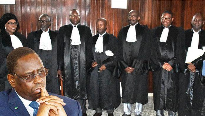 """Le Conseil constitutionnel pas au complet : Les """"7 sages"""" devenus 5 comme avant le référendum de mars 2016"""