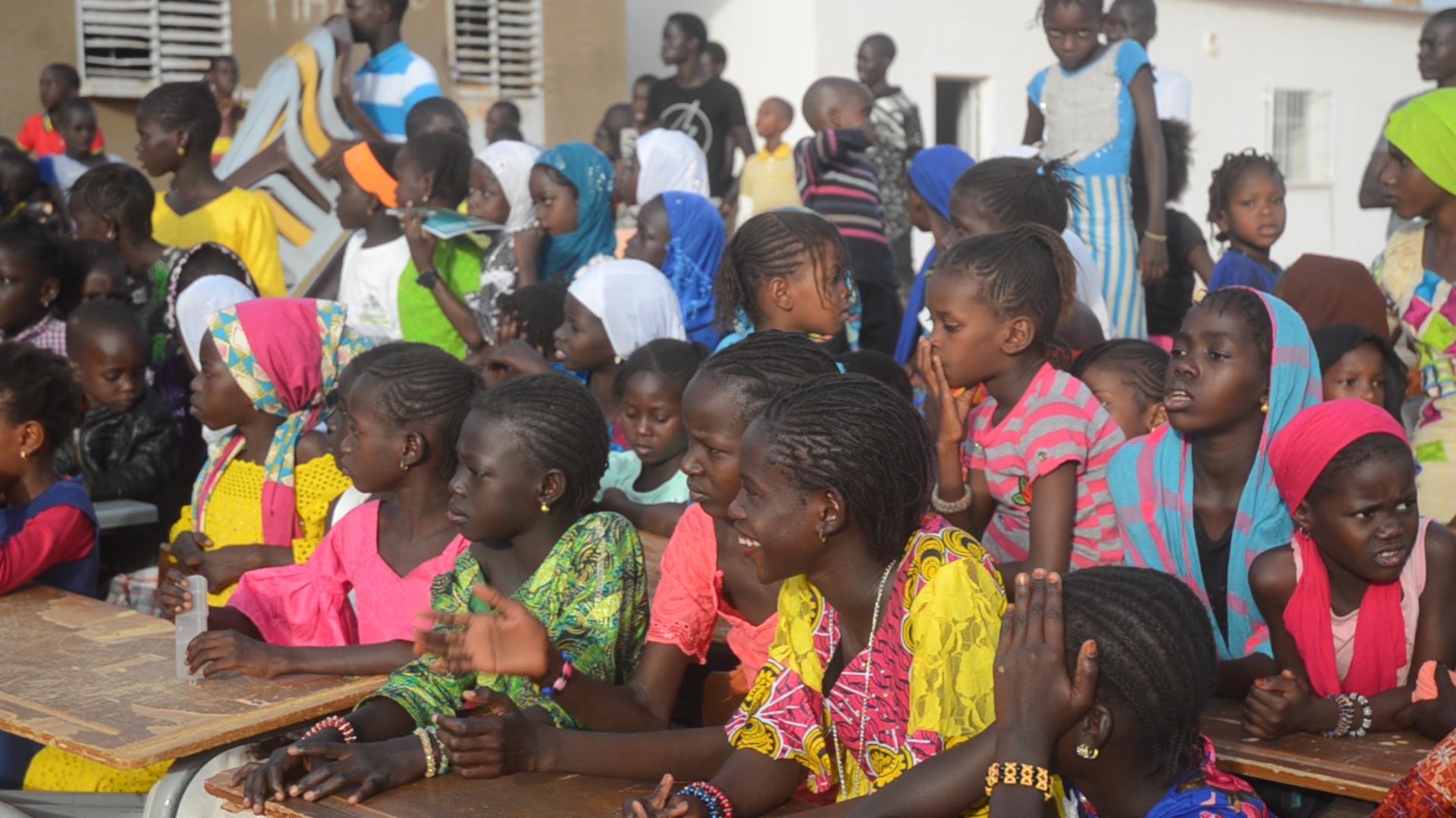 """Éducation et maintien des jeunes filles à l'école : L'association  """"ANDE SUXALI WALO ' sensibilise les parents d'élèves de la commune de Ngnith dans le Dagana."""