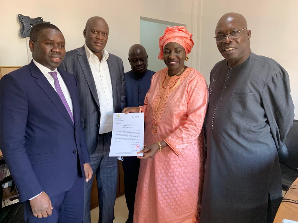CONSEIL CONSTITUTIONNEL : Aminata Touré a déposé la lettre de candidature de Macky Sall