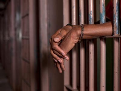 Plus de Prisons Ou Moins de Personnes Sous écrou ? Réorganisation du Système Judiciaire Ou plus de textes Sans résultats ?